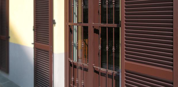 Inferriate di sicurezza fas fabbricazione artigianale serramenti - Oscurare vetri casa ...